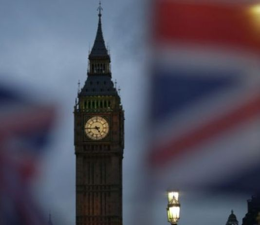 Governo May ancora sconfitto in Parlamento su Brexit