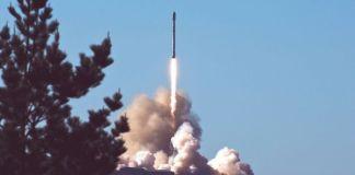 Russia e Usa testano missile balistico intercontinentale