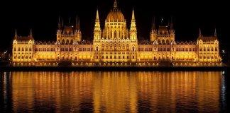 Ungheria vuole regole per Google e Facebook