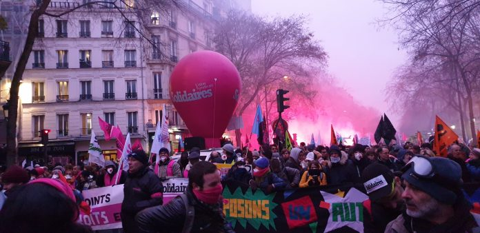 Perché i francesi protestano