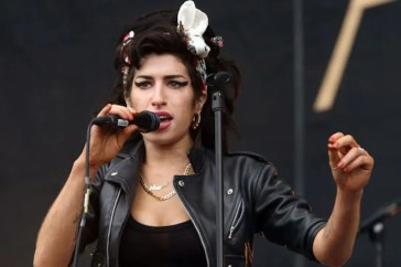 Amy Winehouse, a breve arriverà un album postumo? Il padre regala speranze ai fan