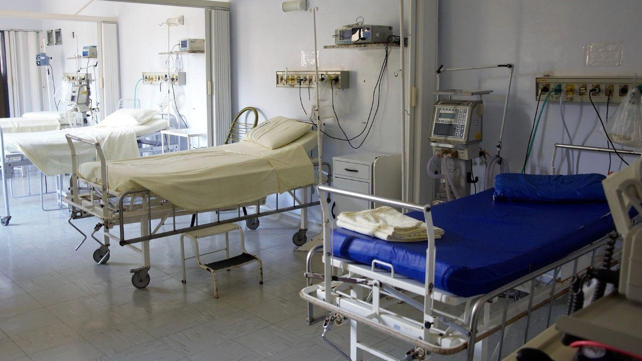 letti ospedale sanità chirurgia medicina guarire clinica-1280×720