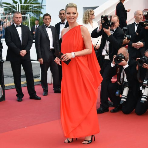 Kate-Moss-Red-Dress-Cannes-2016