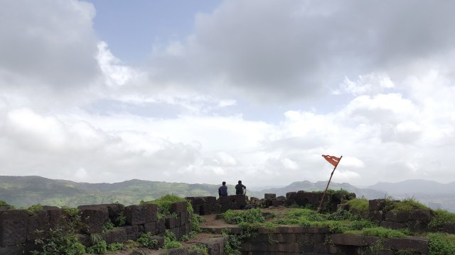 Rajmachi fort is a 1 day trek from Mumbai