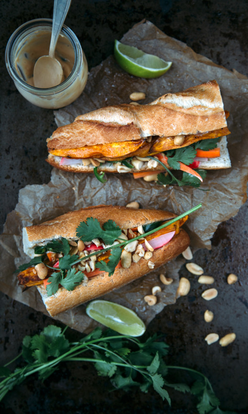 Bánh Mì with Chilli Tofu – Vietnamese food at its best!