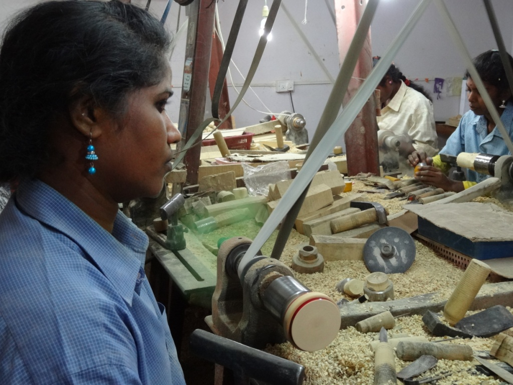Channapatna-livecrafts-women-artisans