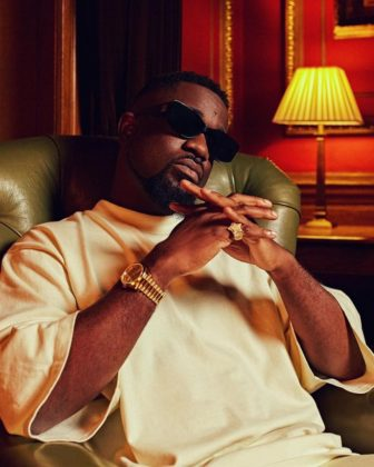Sarkodie Apologizes to Fans for Postponing Album Release
