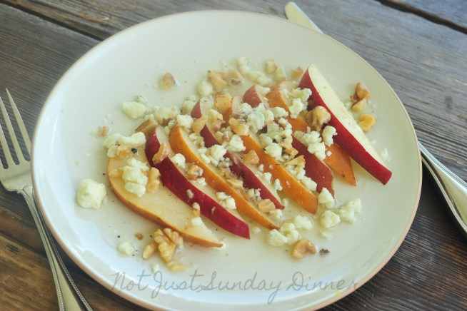 Pear, Blue Cheese, and Walnut Salad
