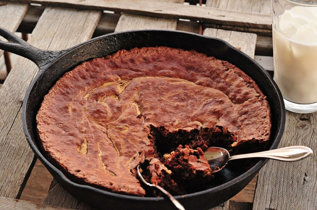 peanut-butter-skillet-brownie