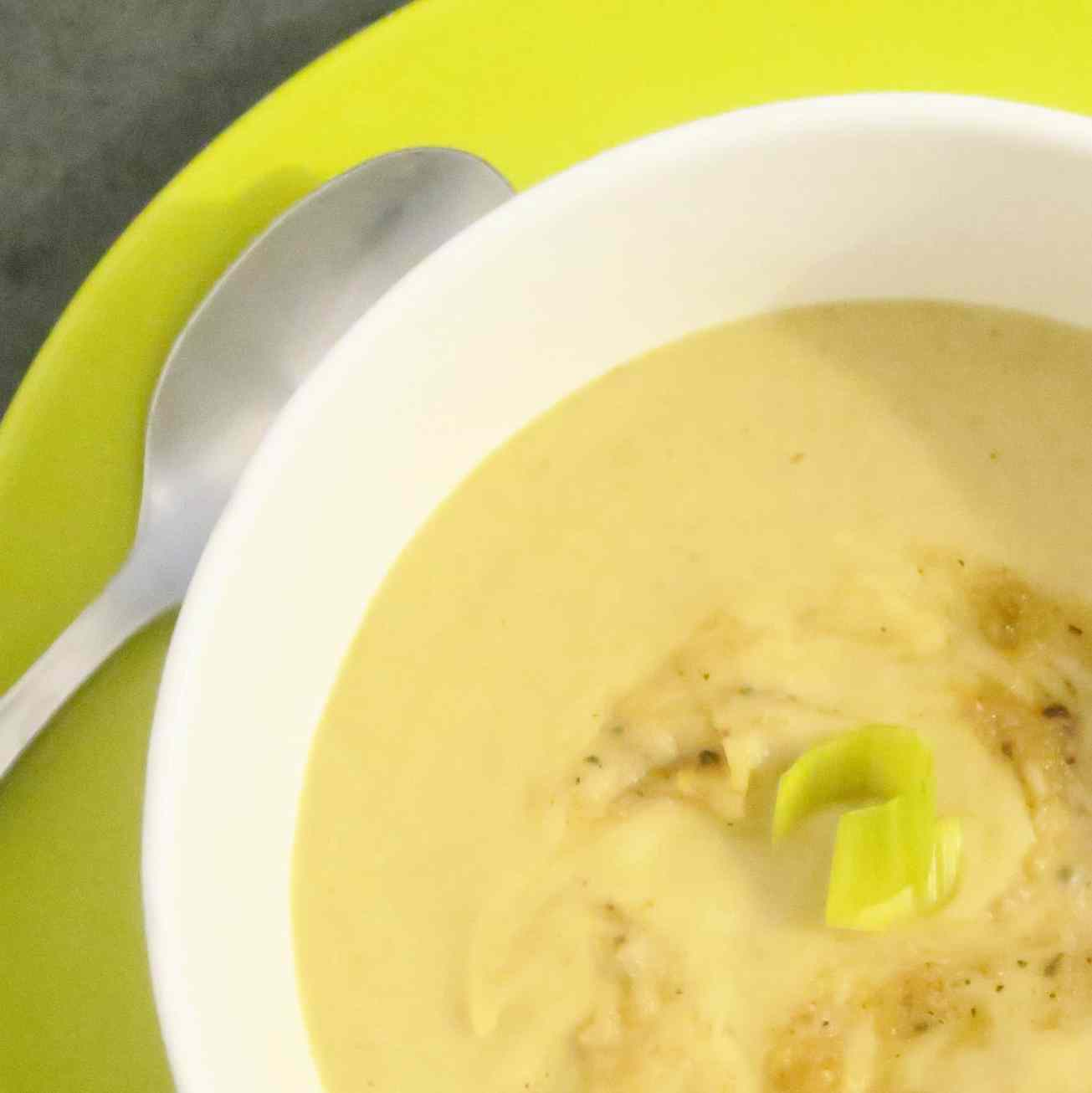 close up leek and sweet potato soup