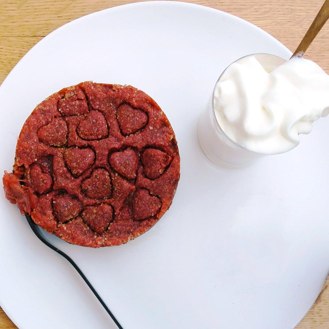 Rhubarb Tarts with Beetroot Powder – Vegan and Vegetarian Options