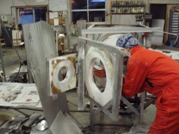 吹きガラス工房修繕中2