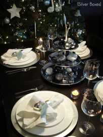 Black and Silver Christmas table