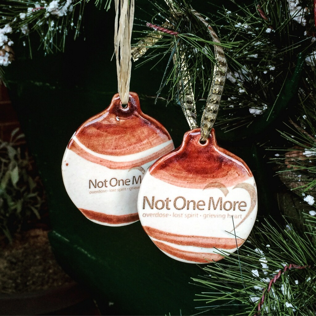 NOM Ornament