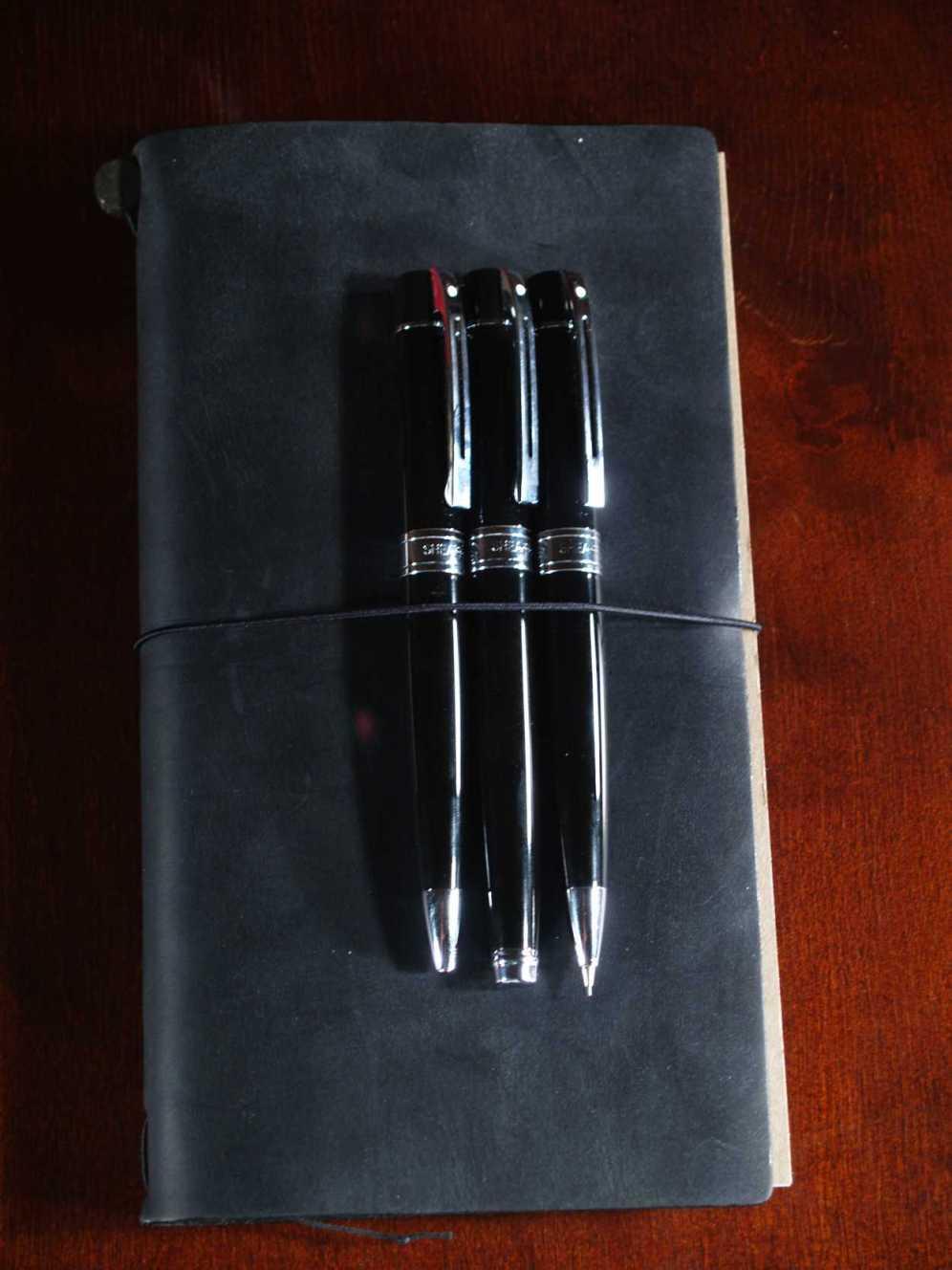 Sheaffer Gift 300 on Traveler's Notebook