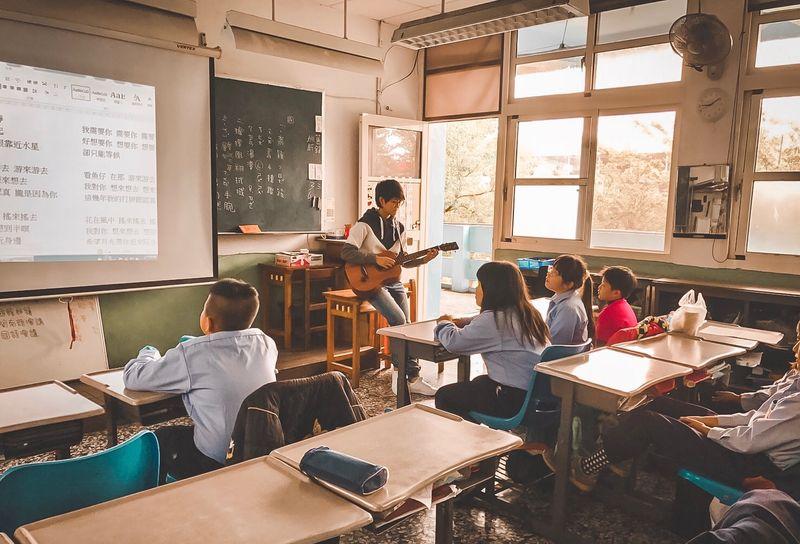 老師為什麼要出國