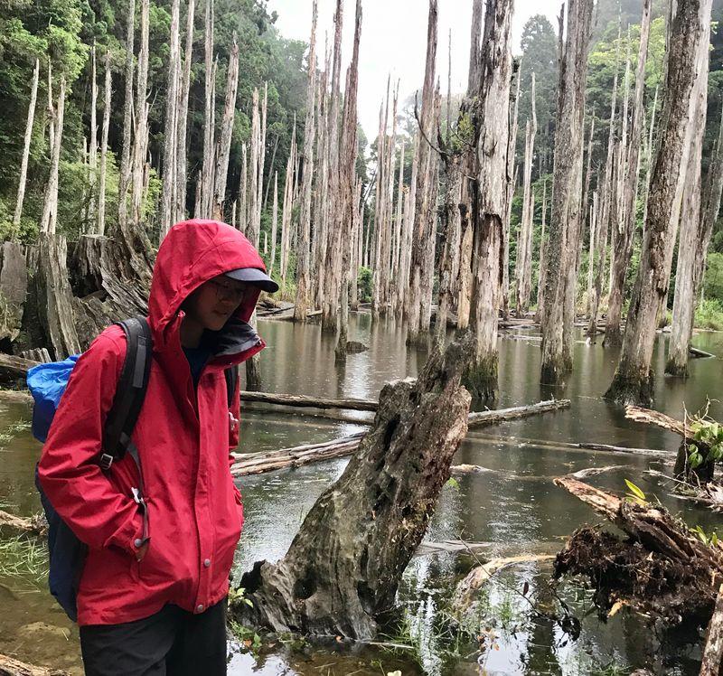 實測下雨時的防水外套