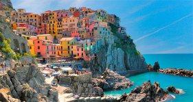 colorida-costa-corgniglia-playas