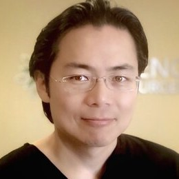 Dr. Lee headshot - Flat Friendly Surgeon - aesthetic flat closure