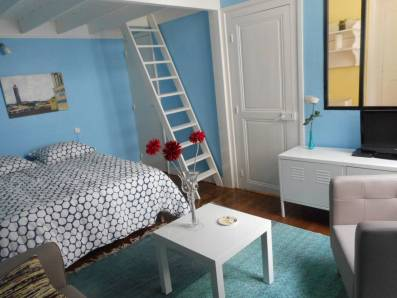 https://www.airbnb.fr/rooms/14997597?wl_source=list&wl_id=232063522&role=wishlist_owner&adults=1&children=0&infants=0