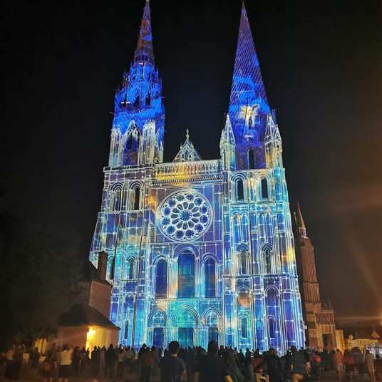 chartres en lumiere cathedrale