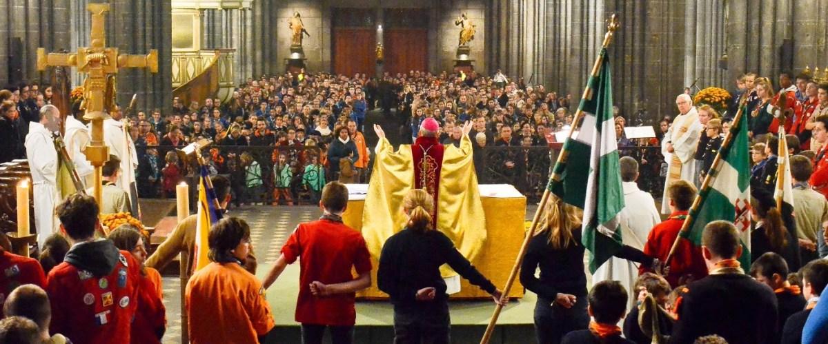 Retour en images sur la 5ème messe interscouts célébrée par Mgr François Kalist le 25 novembre 2017
