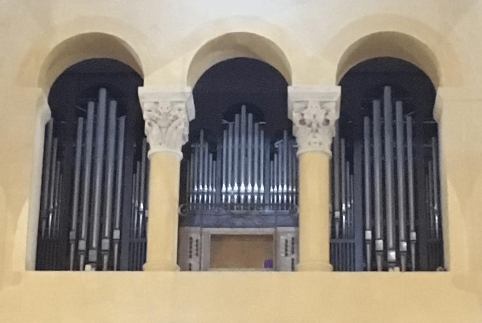 9 orgues à la Basilique Notre-Dame du Port : une incroyable histoire qui s'étale sur 5 siècles et demi !