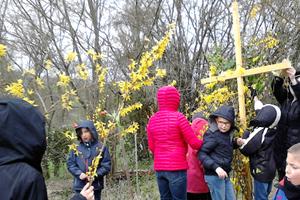 Un jardin de Pâques des enfants du catéchisme