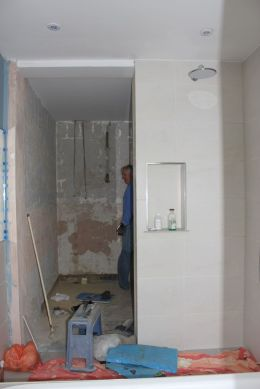 bathroom before 6