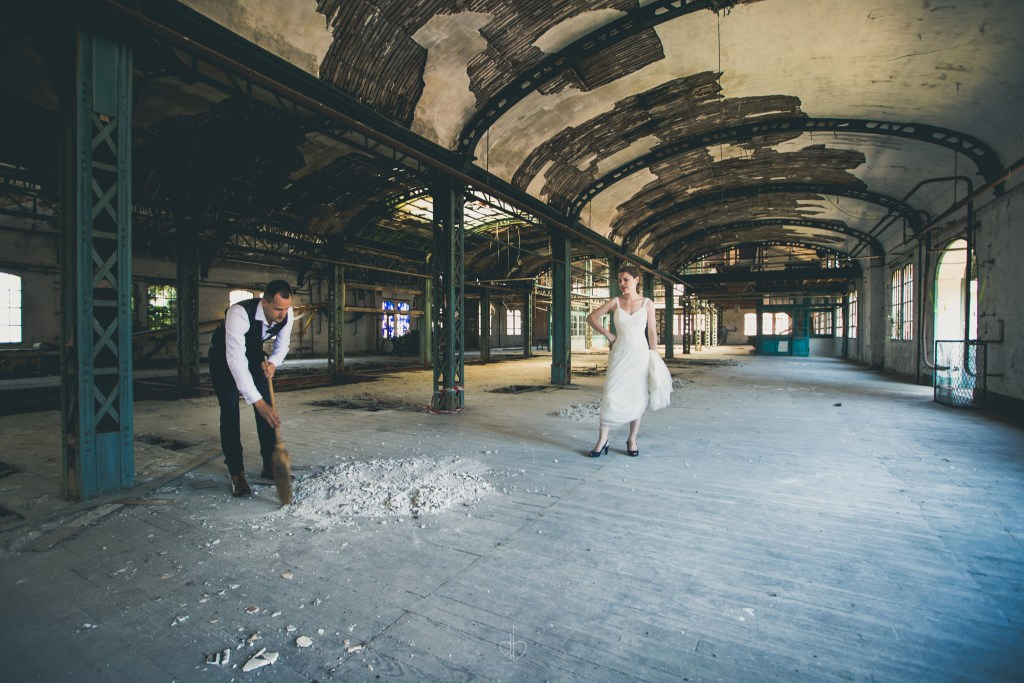 Trash the dress, photographe mariage, photographe, mariage, toulouse, occitanie, 31, couple séance photo, amour, urbex, notrephotographemariage.com, the beautiful day