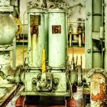 【HDR写真】八甲田丸のエンジンルーム×単焦点レンズ×5枚撮影×HDR×彩度やや高め