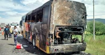 La parte trasera del camión fue la primera en quemarse Foto: Antonio Resendiz