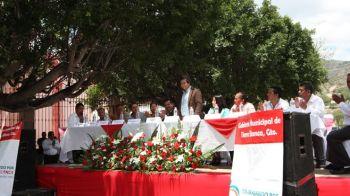Ayuntamiento e invitados