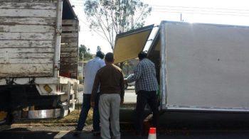 volcadura-camioneta-fresas-2