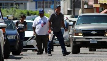 En Huanímaro, pese a las medidas de sanidad, hay bastantes personas en la calle