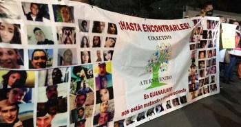 manifestacion-colectivo-desaparecidos-amlo-irapuato-3