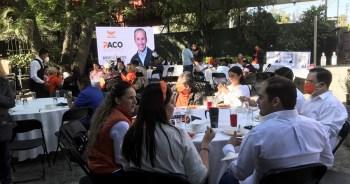 Los invitados de Paco Martinez presente en su inicio de campaña. Foto por Francisco Somoza