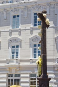 The decorated cross outside the Iglesia de San Francisco.