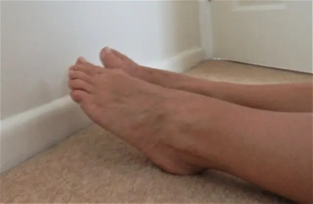 Feet pointing straight - step two of the shin splint test