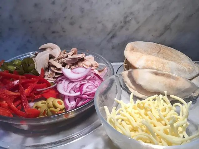 ingredients for pitta bread pizza recipe