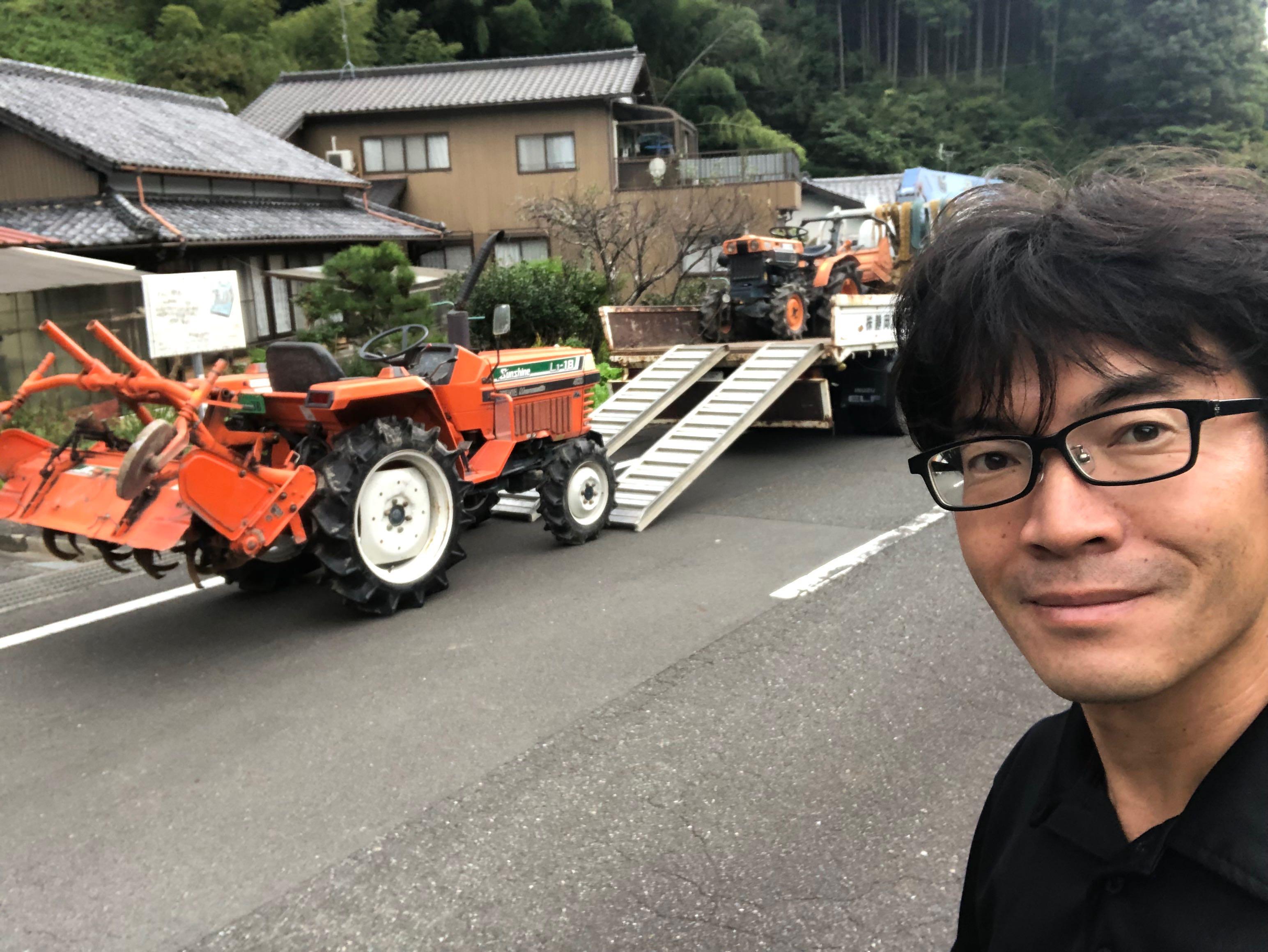 静岡市の森様から買取した L1-18を積込みしています。