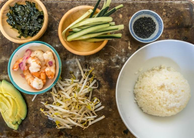 A very easy recipe for a Shrimp Sushi Bowl that can be customized for each taste. The delicious Asian-marinated shrimp make this recipe outstanding.
