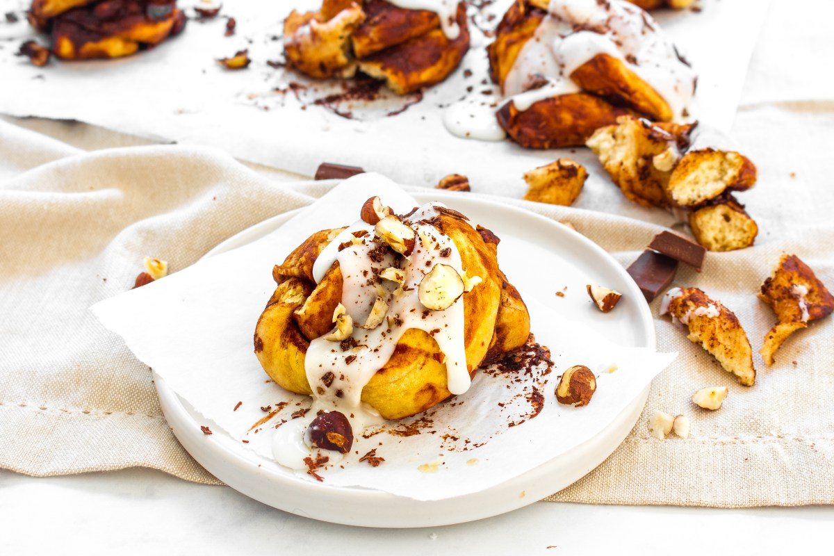 Chocolate Hazelnut Swirl Buns