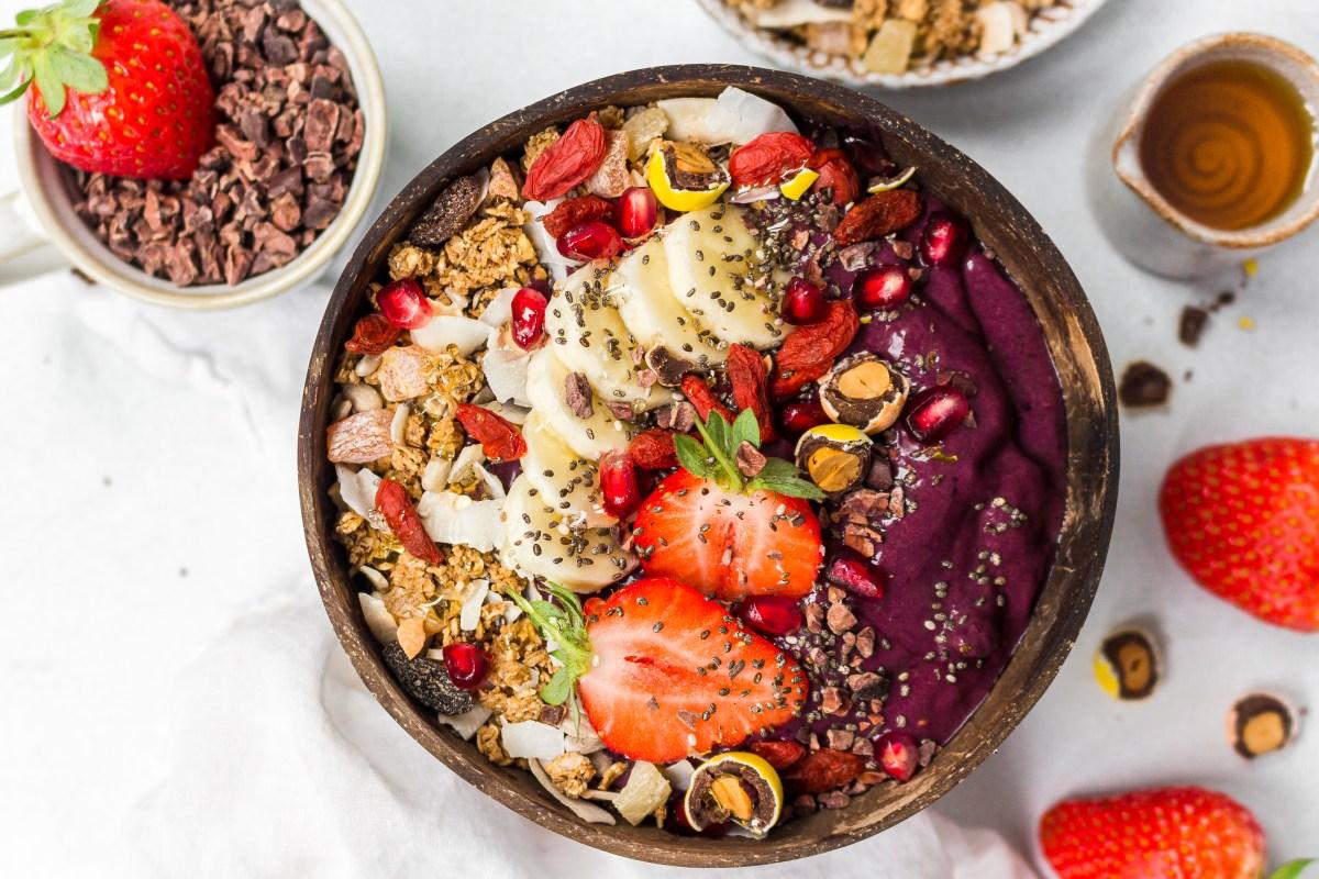 Vanilla Berry Acai Bowl