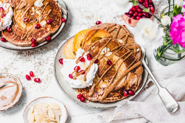 Vegan Caramel Apple Pancakes
