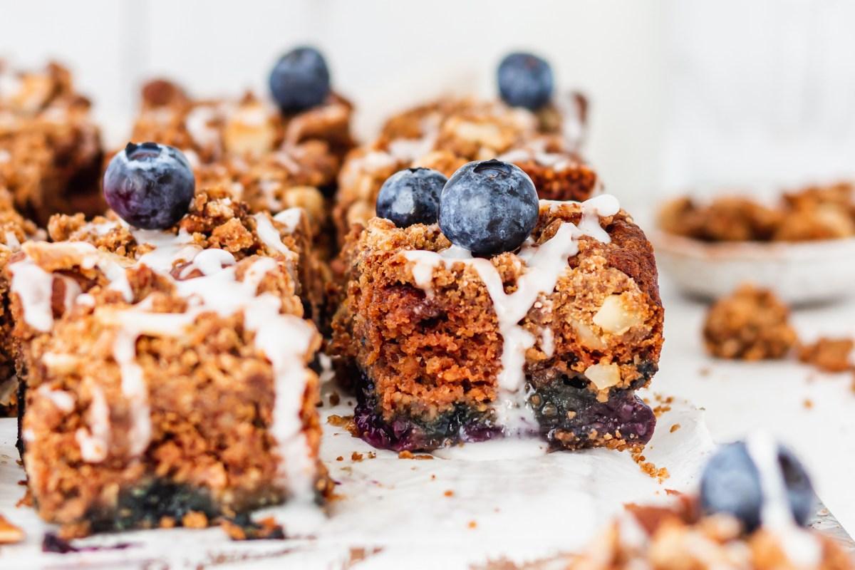Blueberry Streusel Cake landscape image