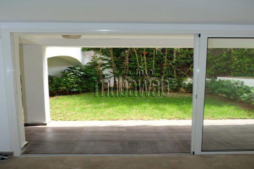 villa-750-m²-5-chambres-chauffage-central-piscine_17984032