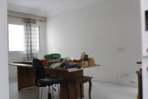 a vendre appartement / bureau dans une rue très calme open space secteur des hopitaux