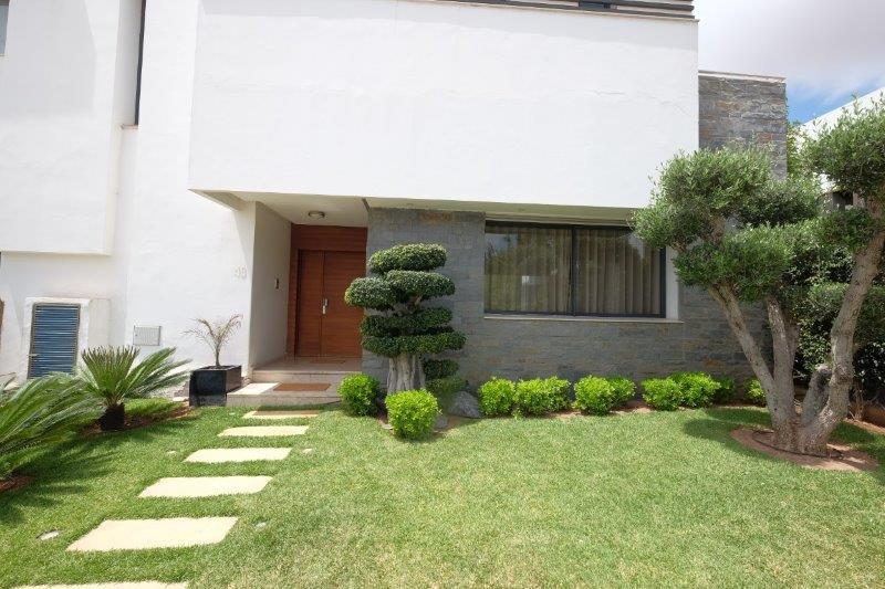 à acheter Villa  moderne cathedrale 639 m² avec 4 chambres