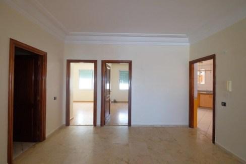 à louer confortable appartement ensoleillé de 130 M² avec terrasse